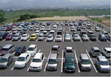 ケアセンター南側駐車場